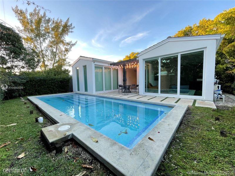 550 W 50th St, Miami Beach, FL - $18,500 USD/ month