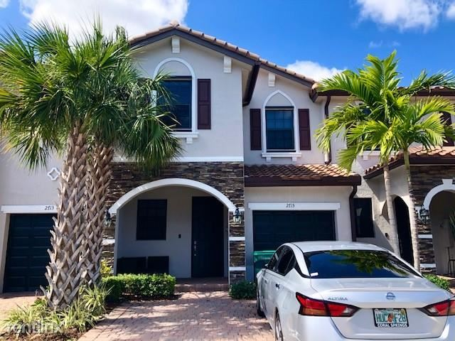 2715 NW 55th Ave,, Margate, FL - $2,350 USD/ month