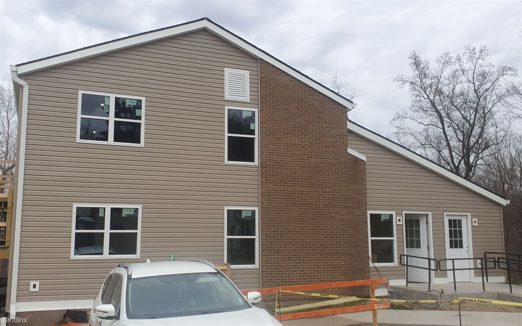 230 Wood St, Sistersville, WV - 478 USD/ month