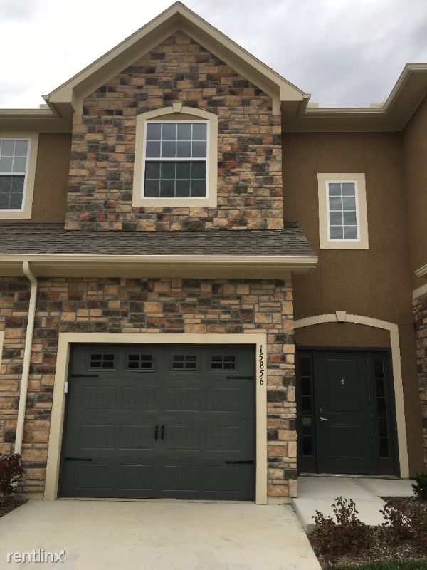 15856 Valley View Dr, Overland Park, KS - $1,900 USD/ month