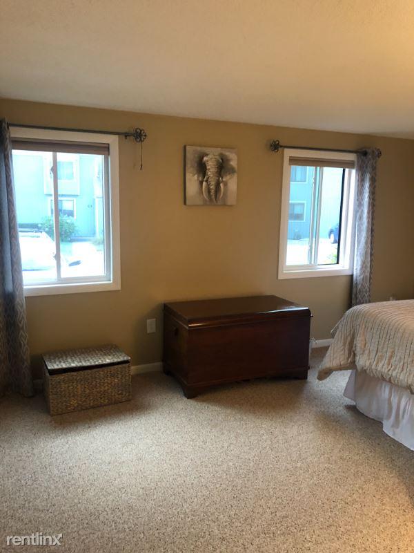 2 Black Oak Drive H, Nashua, NH - $1,900 USD/ month