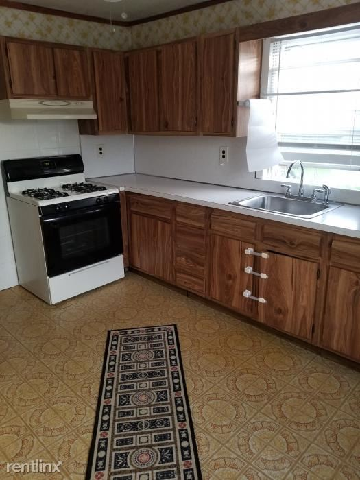 Woodland Ave, Port Chester, NY - $1,600 USD/ month