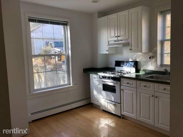 Cedar St, Valhalla, NY - $1,950 USD/ month