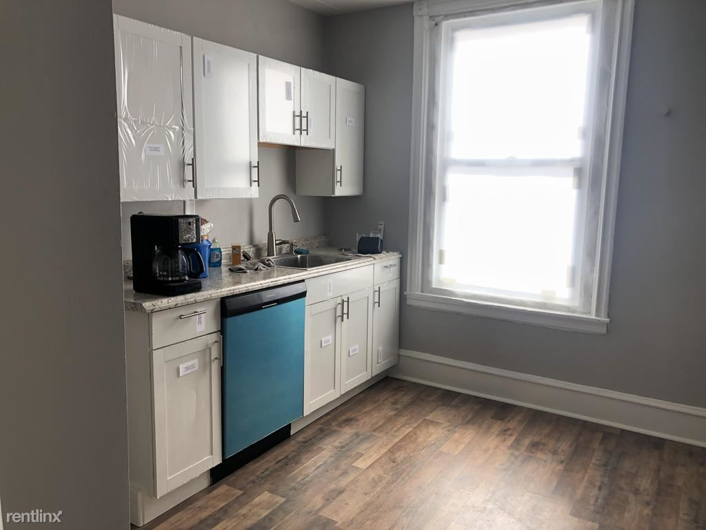 3101 Kennett Square Unit 2, Pittsburgh, PA - $1,675 USD/ month