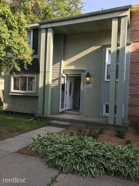 37469 Charter Oaks Blvd, Clinton Township, MI - $1,650 USD/ month