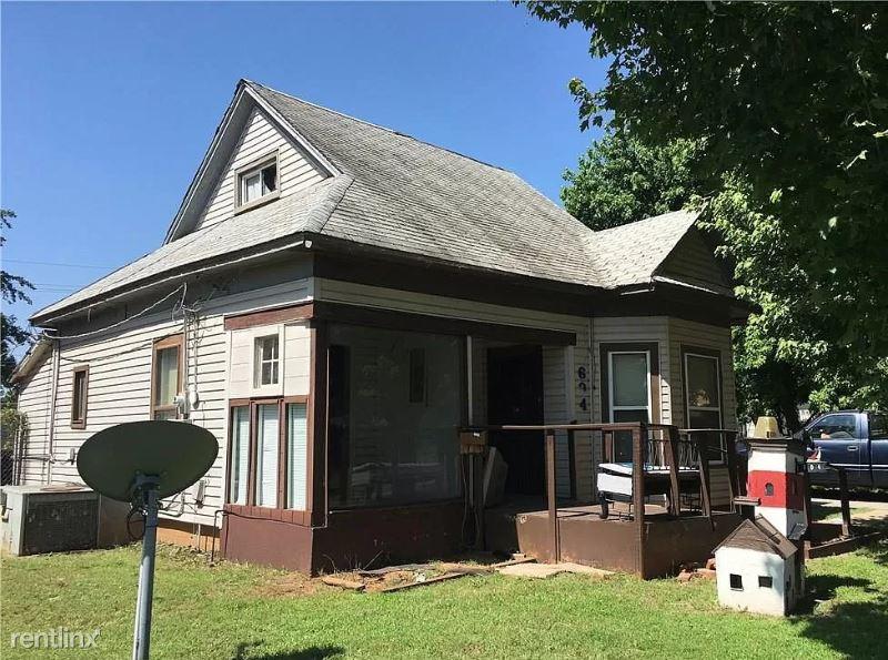 604 W C Ave, Elk City OK 2, Elk City, OK - $518 USD/ month