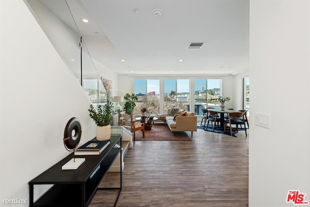 714 N Sweetzer Ave Apt 401, Los Angeles, CA - $8,495 USD/ month