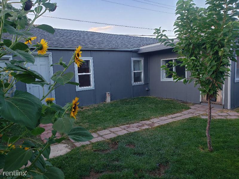 324 W Sixth Street 1/2, Palisade, CO - $1,300 USD/ month