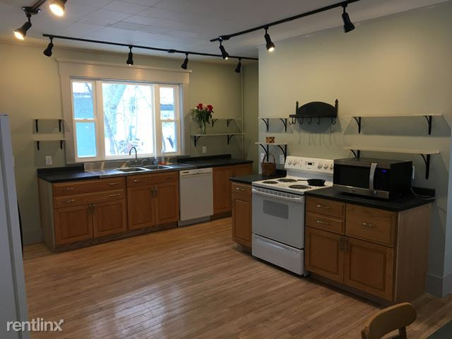 40 Spring St, Old Town, ME - $1,450 USD/ month