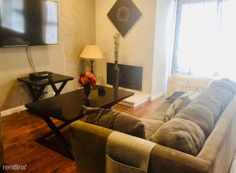 607 Larkspur Ave, Corona Del Mar, CA - $4,600 USD/ month