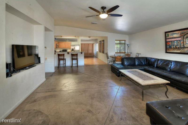 832 E Lester St, Tucson, AZ - $2,700 USD/ month