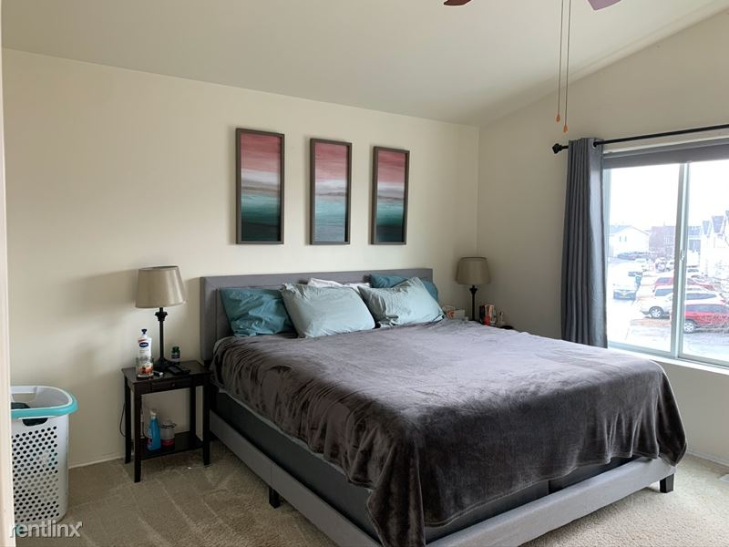 5656 Alora Loop, Anchorage, AK - $1,700 USD/ month
