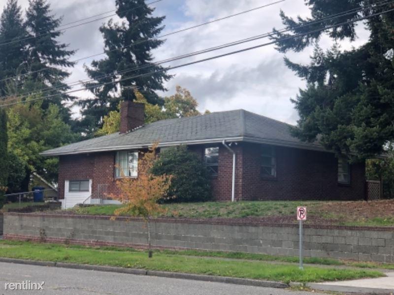 4106 SW Graham St, Seattle, WA - $2,850 USD/ month
