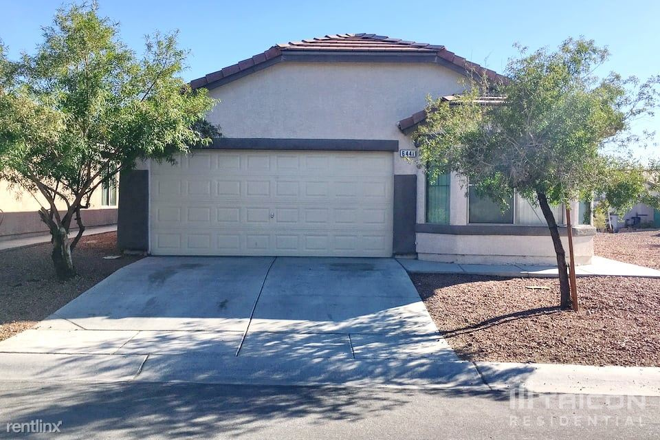 6441 Duck Hill Springs Drive, Las Vegas, NV - $1,599 USD/ month