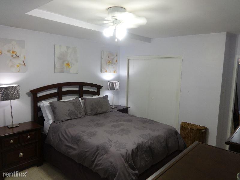 1121 Arlington Blvd, Arlington, VA - $1,950 USD/ month