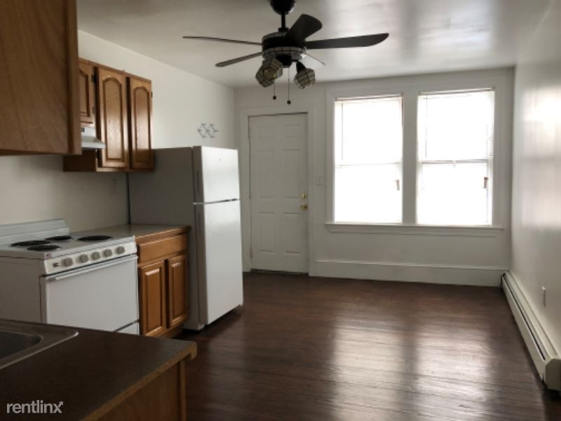 322 Central St, Manchester, NH - $1,350 USD/ month