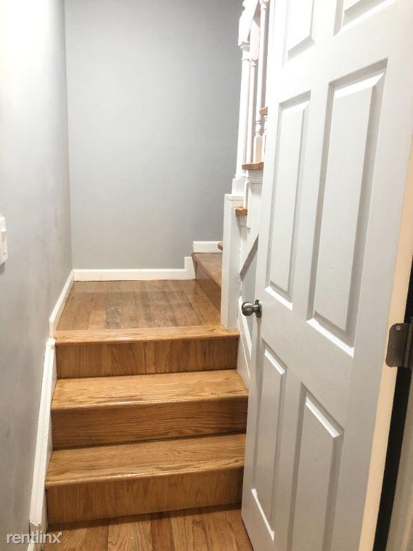 Forley St, Elmhurst NY, Elmhurst, NY - $2,800 USD/ month