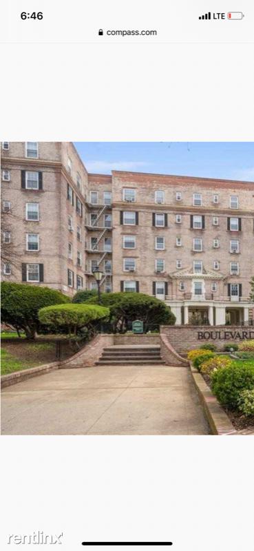 54 17 31 Avenue Apt 2 O, Woodside, NY - $1,600 USD/ month