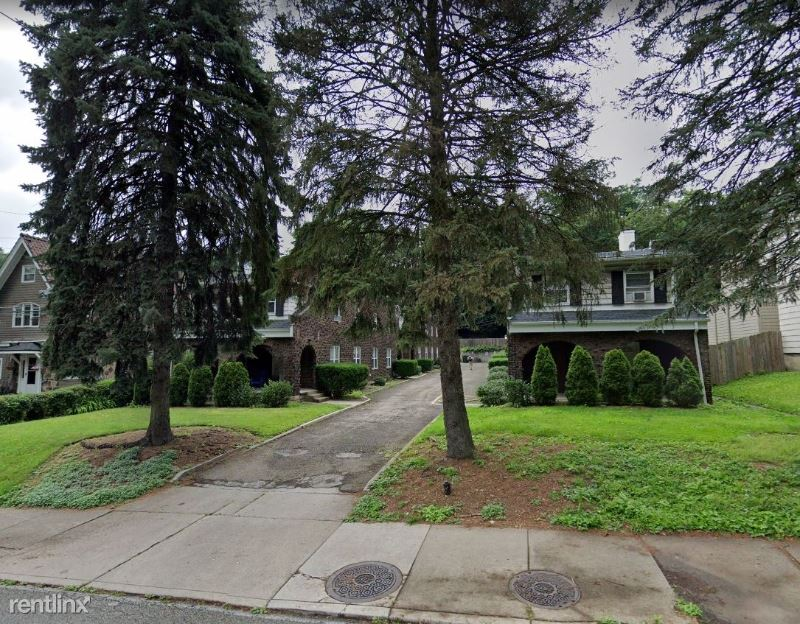 5255 Forbes Ave, Pittsburgh, PA - $2,600 USD/ month