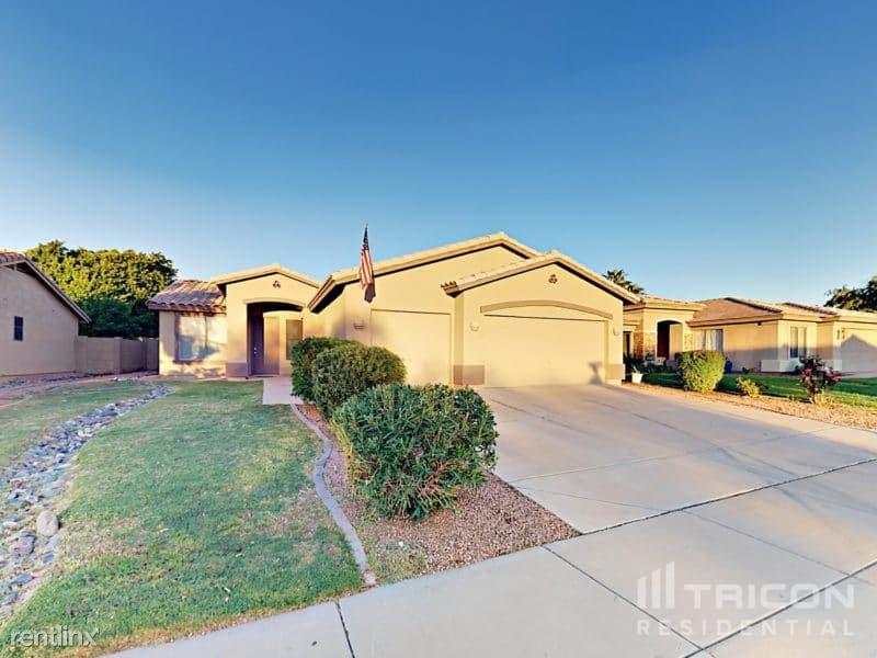 14802 North 150th Lane, Surprise, AZ - $1,899 USD/ month