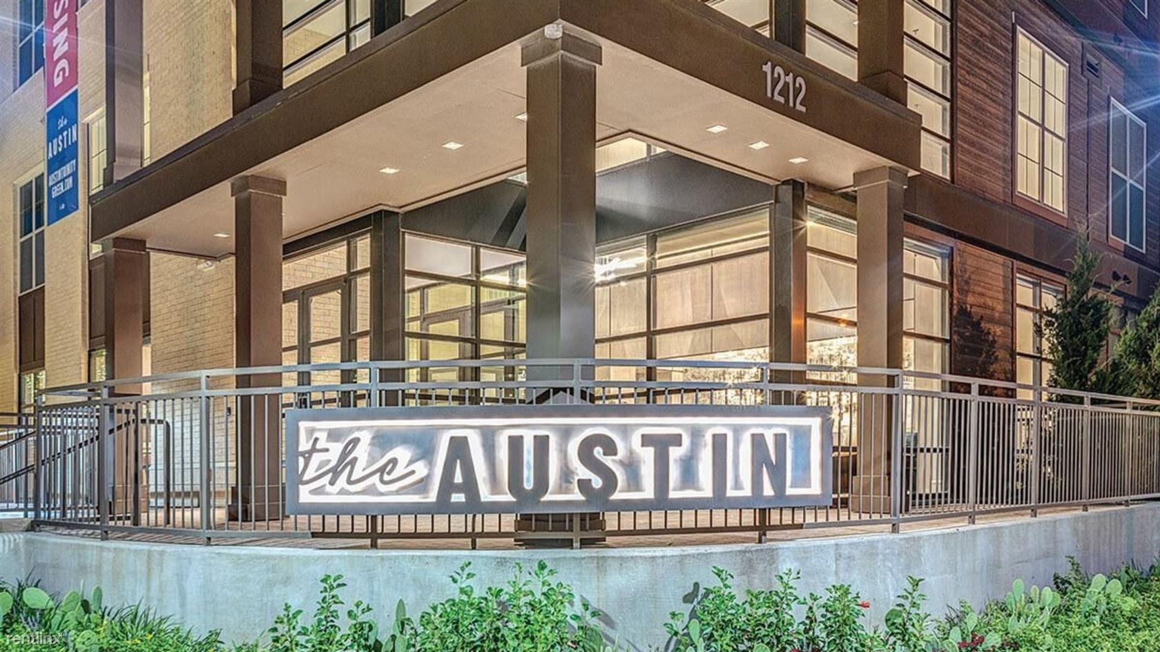 1212 Singleton Blvd, Dallas, TX - $2,228 USD/ month