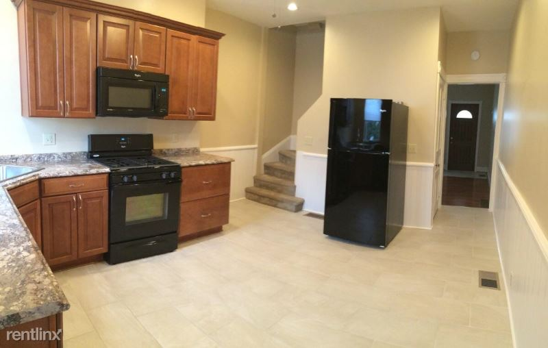 160 Pearl St, Pittsburgh, PA - $1,795 USD/ month