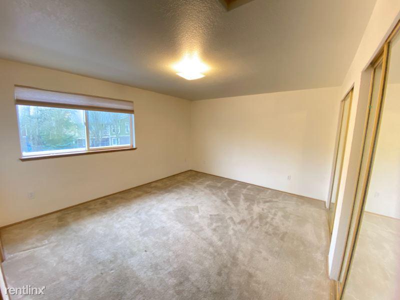 2701 Lincoln Way C32, Lynnwood, WA - $1,450 USD/ month
