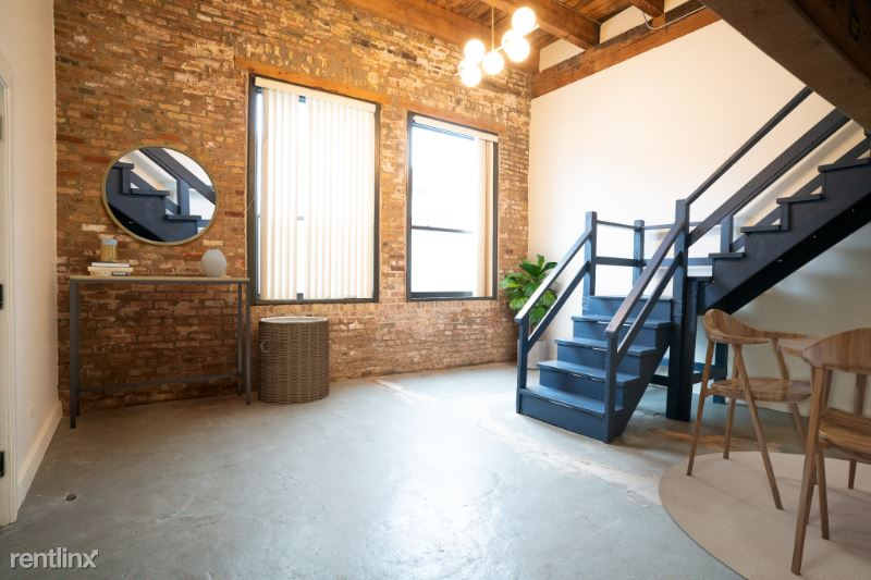 2015 W Race Ave 120, Chicago, IL - $5,500 USD/ month