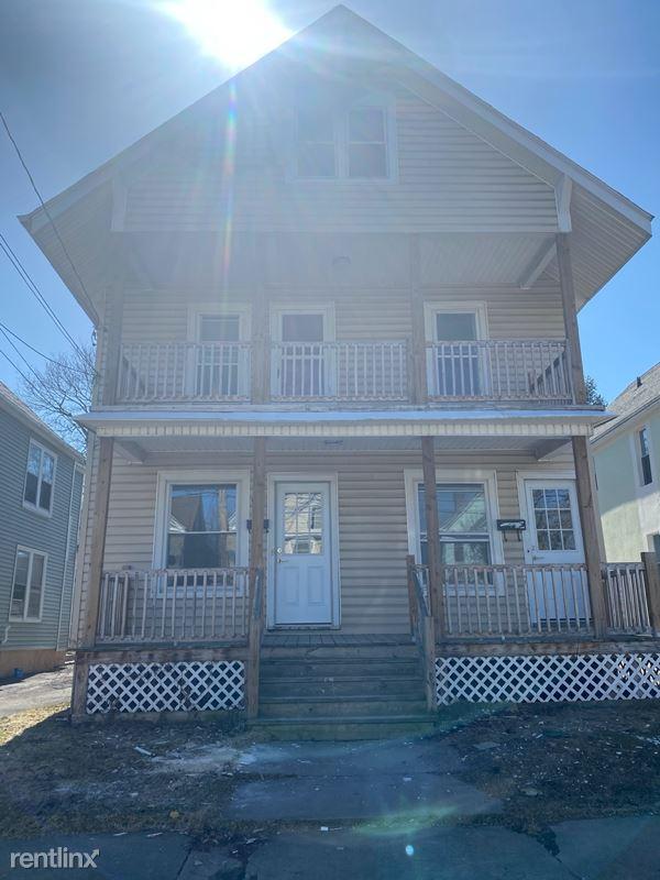 912 Lansing St, Utica NY 1st FL, Utica, NY - $1,000 USD/ month