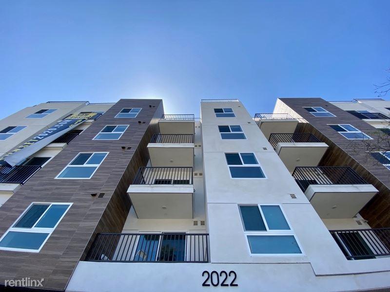 2022 W Sunset Blvd. 505, Echo Park, CA - $2,250 USD/ month