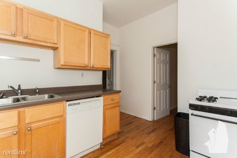 3415 N Seminary Ave 1F - 2695USD / month