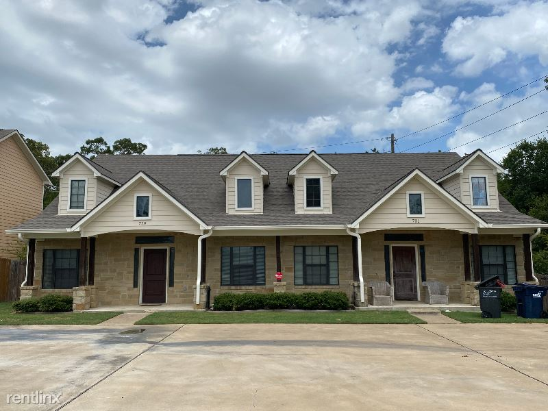 731 Dominik Dr, College Station, TX - $2,500 USD/ month