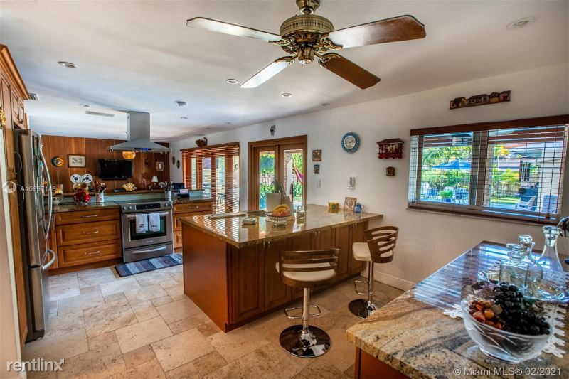 360 Menores Ave, Miami, FL - $8,800 USD/ month
