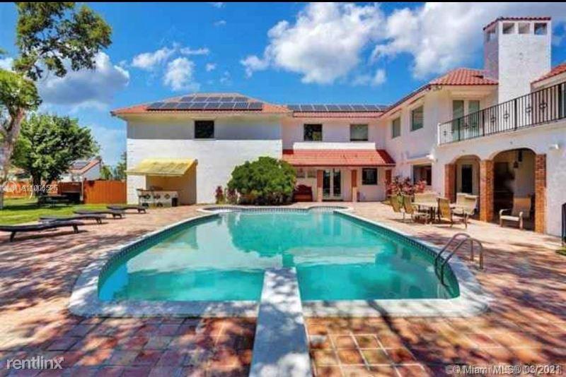 13600 SW 67 Ave #13600, Palmetto Bay, FL - $17,900 USD/ month