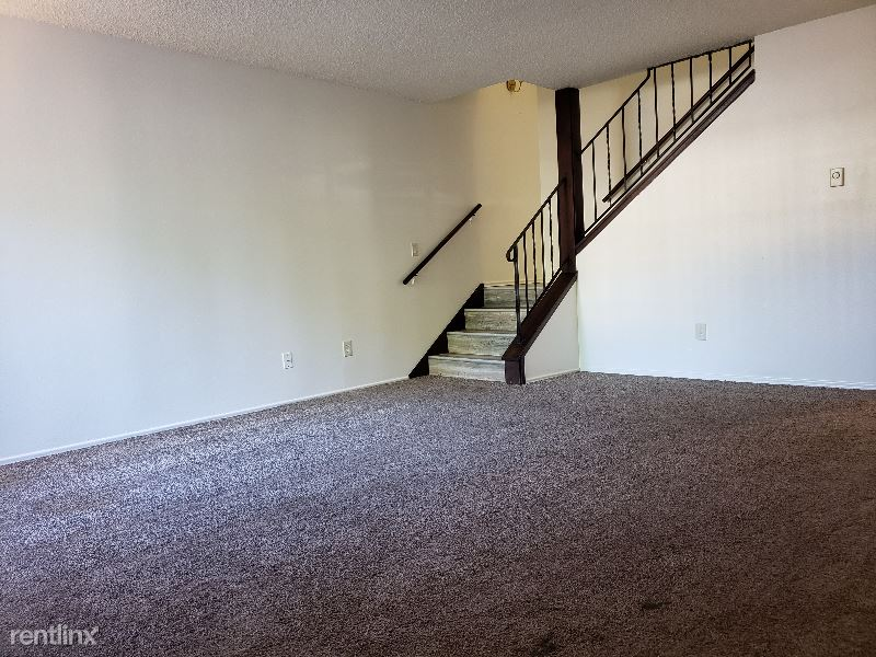 21809 30th Ave S Unit #2, Des Moines, WA - $1,550 USD/ month
