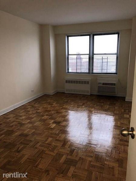 9801 67th Ave, Rego Park NY 10, Rego Park, NY - $2,325 USD/ month