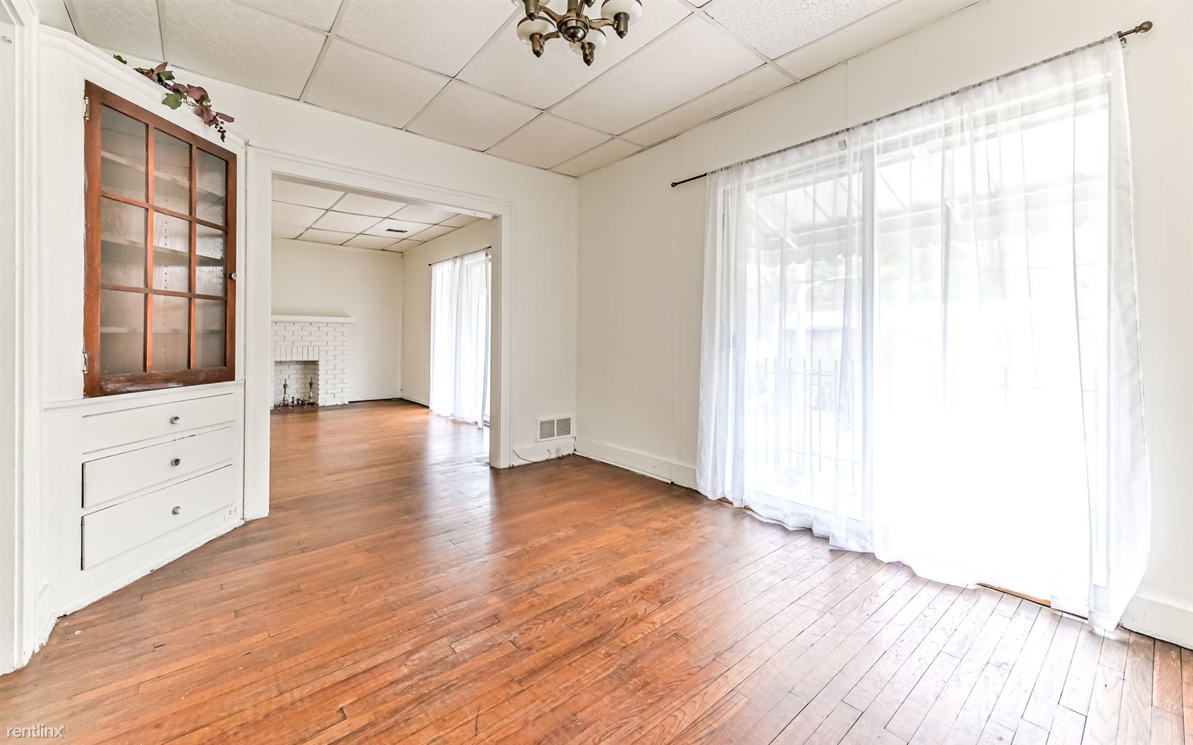 2147 Ardmore Blvd # 2F, Pittsburgh, PA - $675 USD/ month