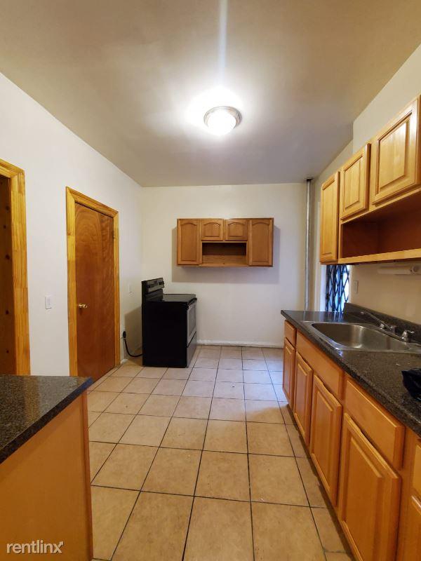 78 Hamilton Ave, Yonkers NY, Yonkers, NY - $1,975 USD/ month