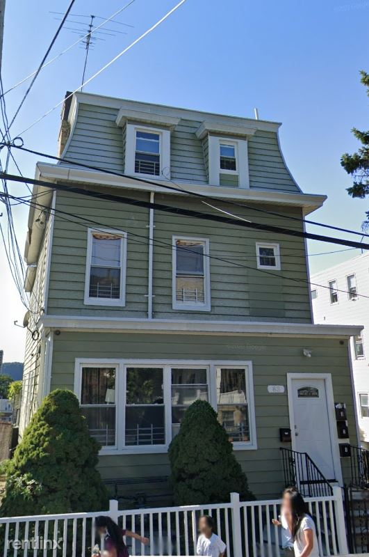 83 Linden St, Yonkers NY, Yonkers, NY - $1,875 USD/ month