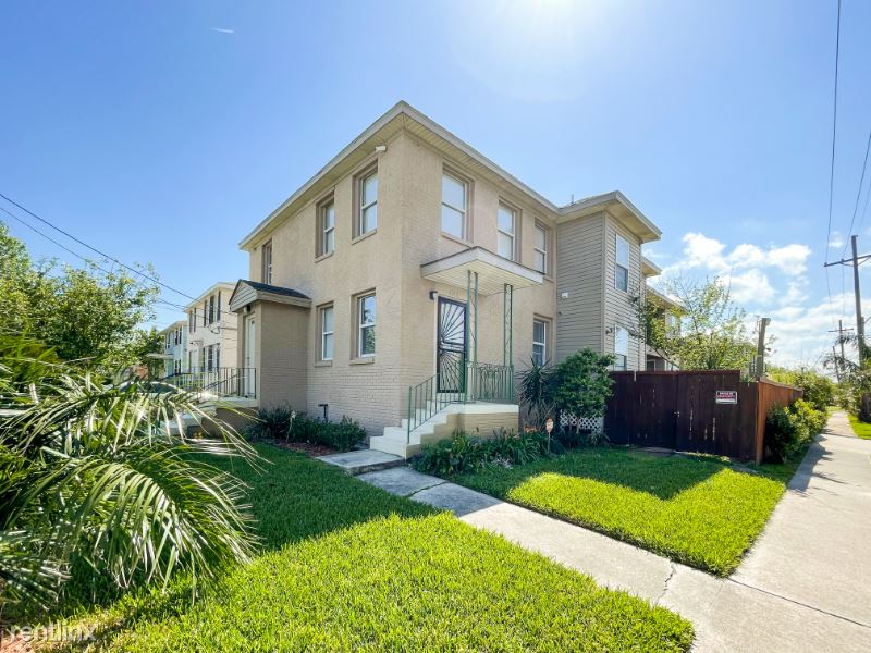 6242 Wainwright Dr, New Orleans, LA - $1,300 USD/ month