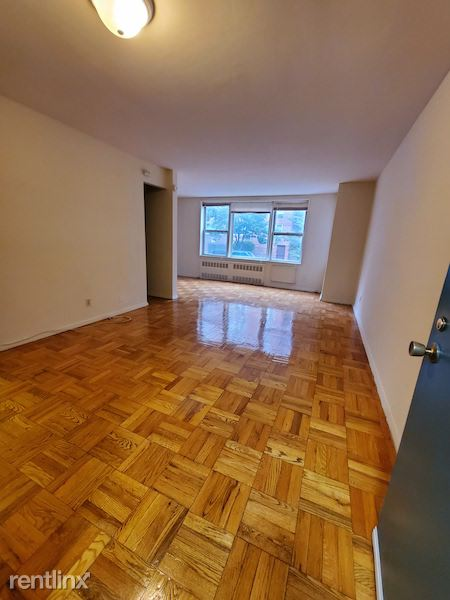 11048 72nd ave, Forest Hills, NY - $1,600 USD/ month