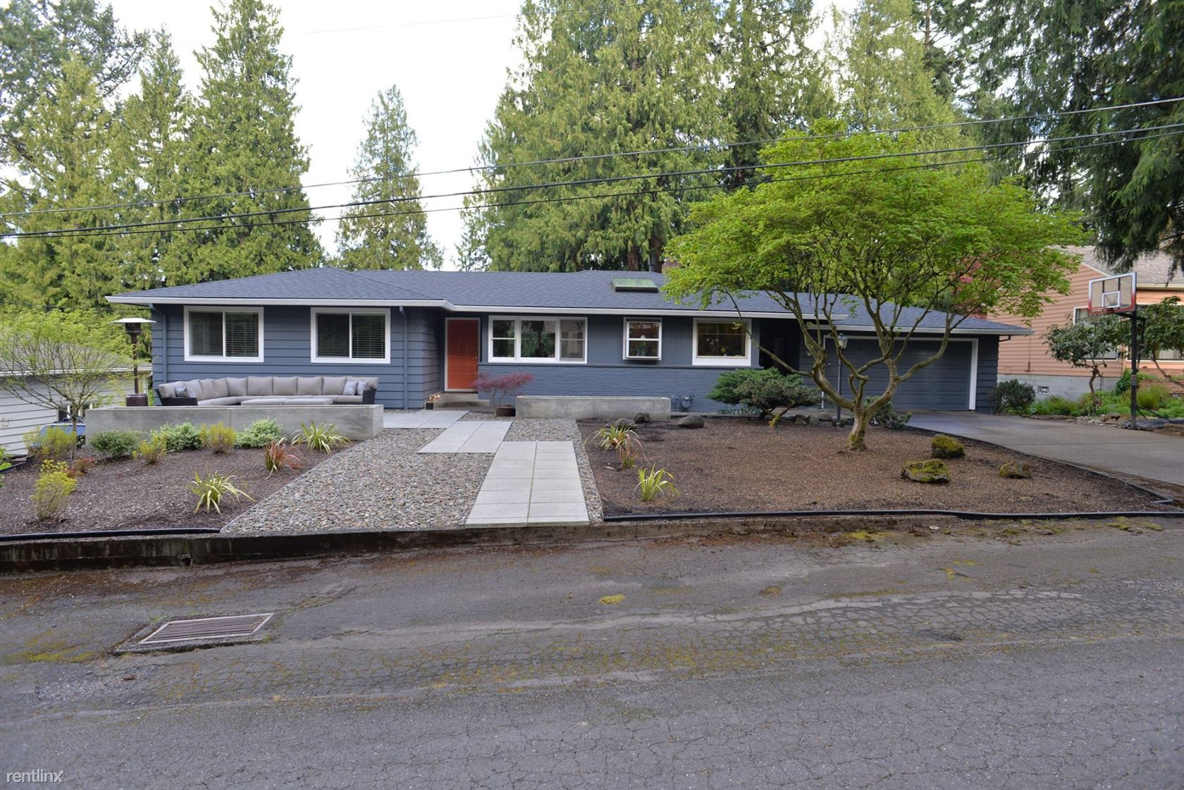 6850 SW 68th Ave, Portland, OR - $3,200 USD/ month
