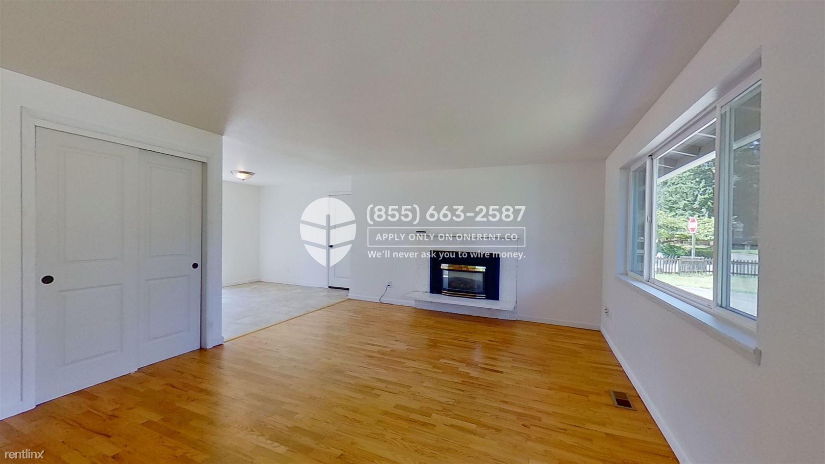 13754 87th Ave NE, Kirkland, WA - $2,500 USD/ month