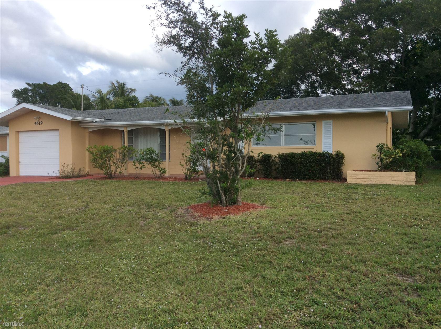 4519 SE 14th Avenue, Cape Coral, FL - $1,649 USD/ month