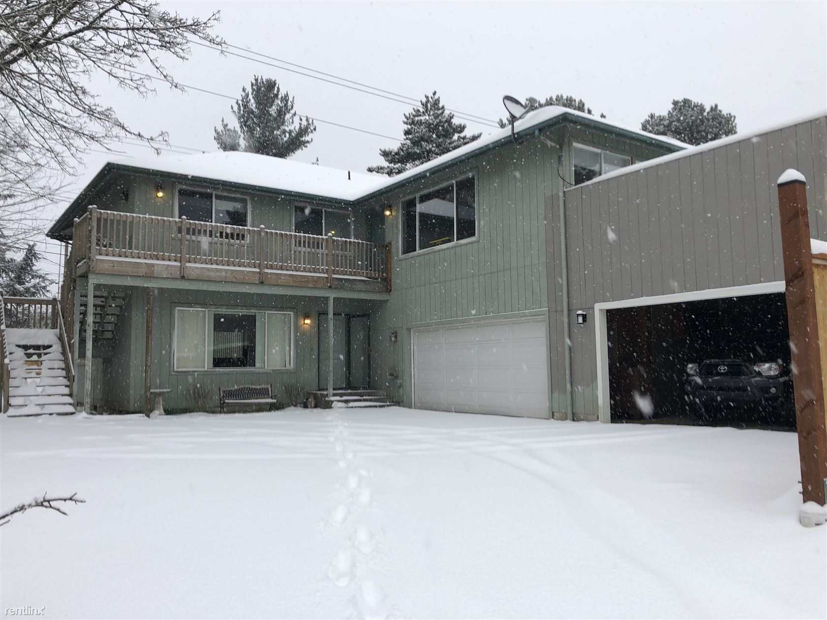 28808 28th Place South, Federal Way, WA - $1,900 USD/ month
