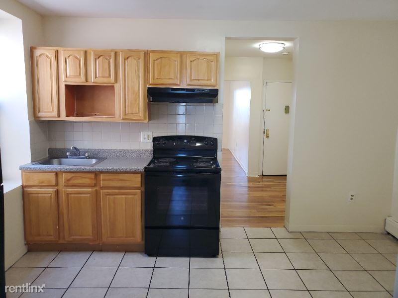 77 Bergen Ave 6, Jersey City, NJ - $1,474 USD/ month