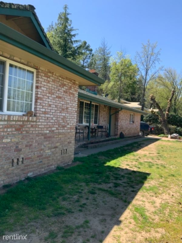 Dry Creek Road, Auburn, CA - $2,900 USD/ month