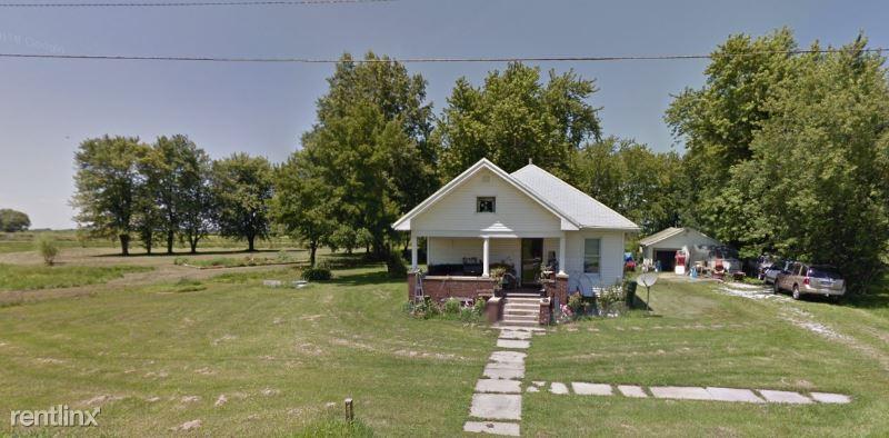 W Main St, Casey, IL - $595 USD/ month