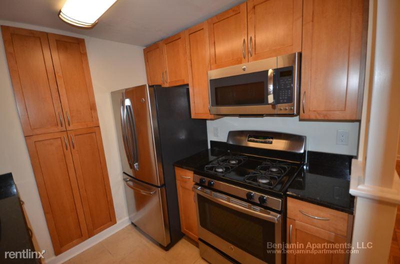 170 Thornton Rd 1, West Roxbury, MA - $2,365 USD/ month
