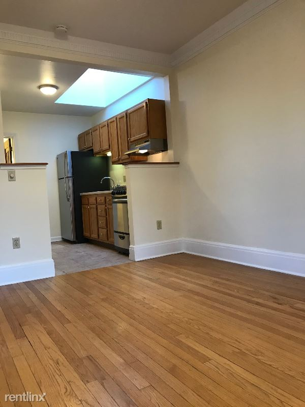 198 Pawling Ave, Troy NY, Troy, NY - $1,090 USD/ month